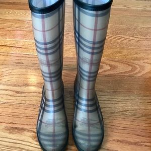 Burberry nova check plaid rain boots size 39